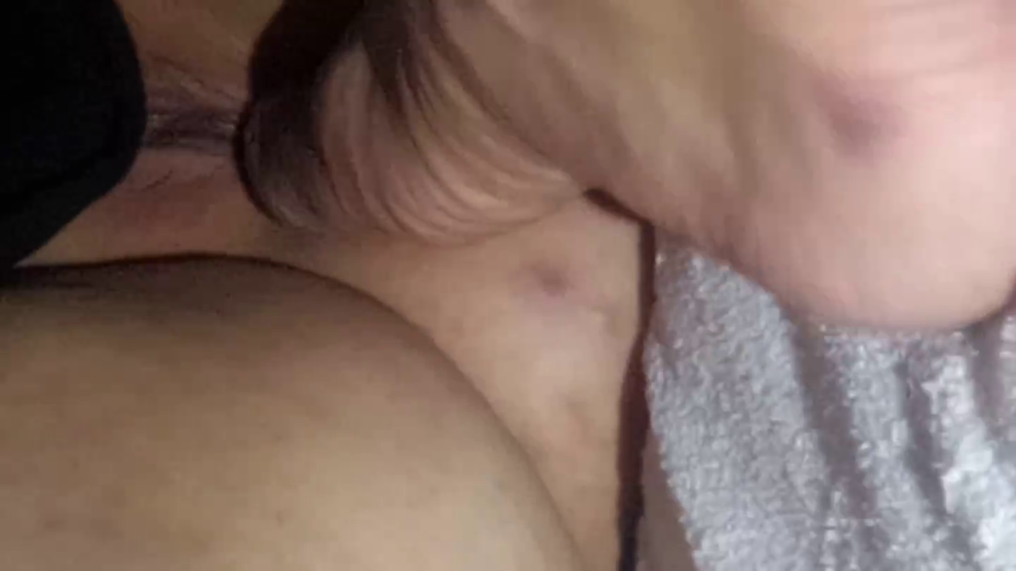 Feet to the pussy – Feet job to his wife