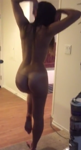 Hottest chick on periscope in an all out show